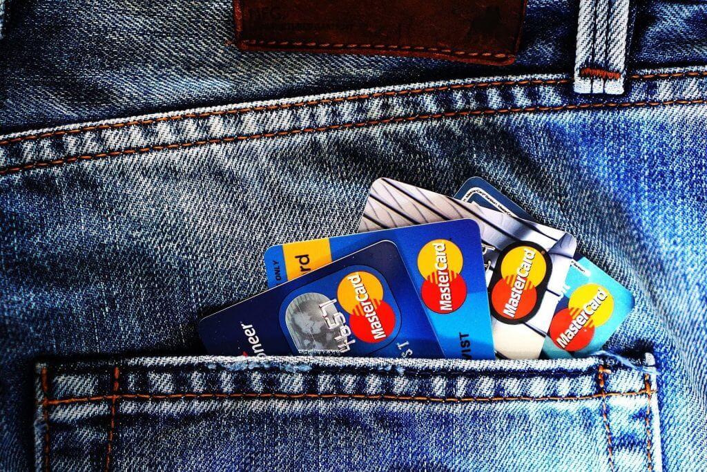 carte bancaire pour montrer les virements bancaires